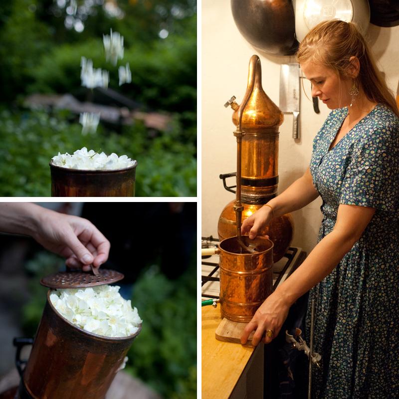 jasmijn destilleren - Evelien steekt de ketel aan - Werfzeep
