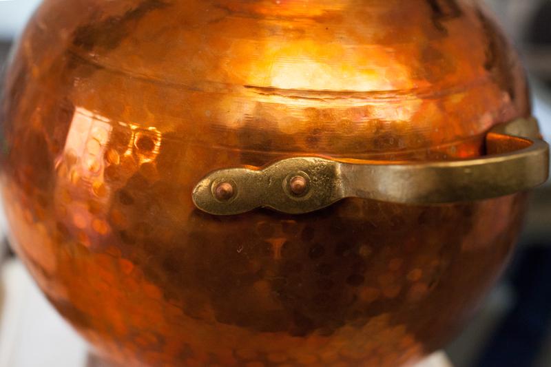 Onze koperen destilleerketel - Werfzeep