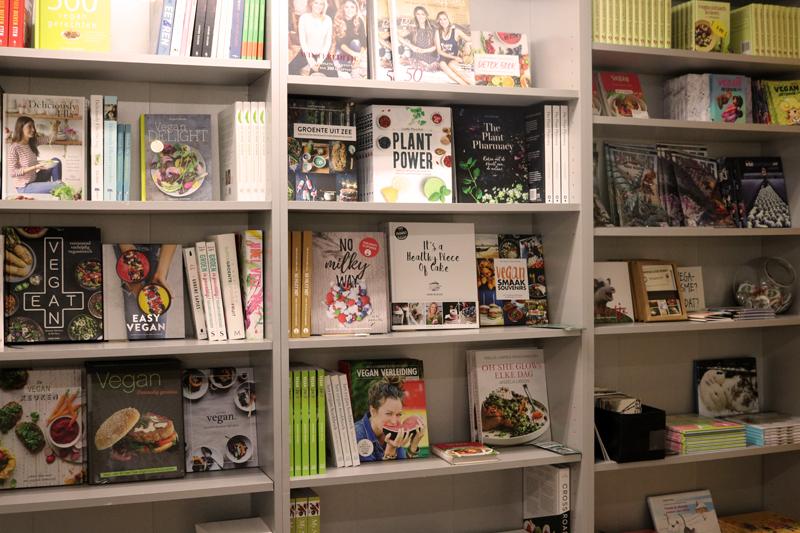 Vegan kookboeken bij Vega-life in Amsterdam - Werfzeep