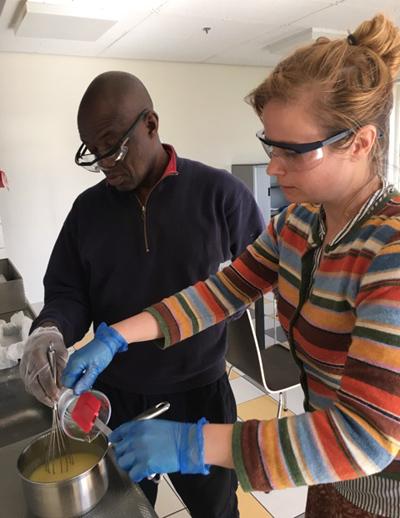 Zeeptraining voor Solid Road - toekomstige zeepfabriek in Nigeria!