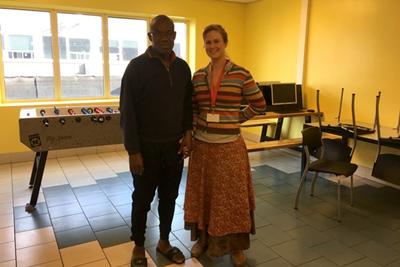 Evelien en Richard - Zeeptraining voor Solid Road - toekomstige zeepfabriek in Nigeria!
