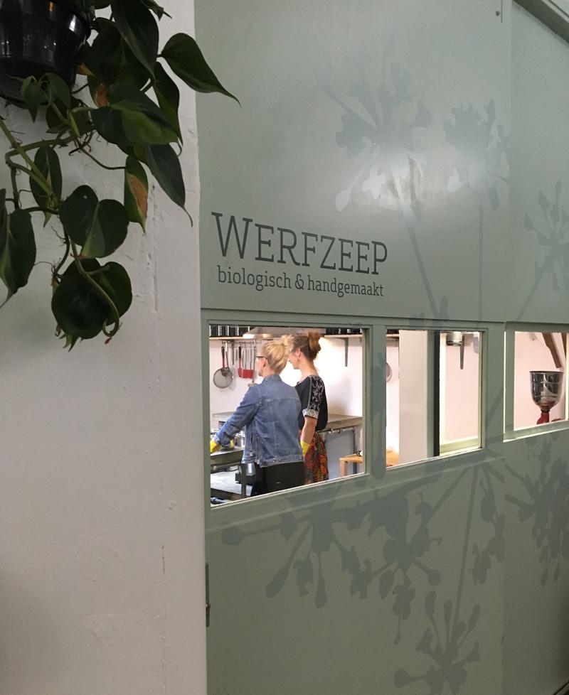 Deze week kwam Het Klokhuis zeep maken bij Werfzeep!