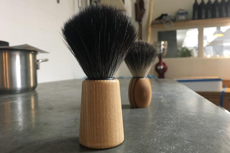 Werfzeep scheerkwast van essenhout 'pure ash'.