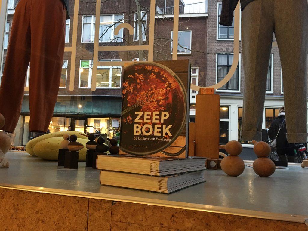 Het Zeepboek bij Puha op de Voorstraat