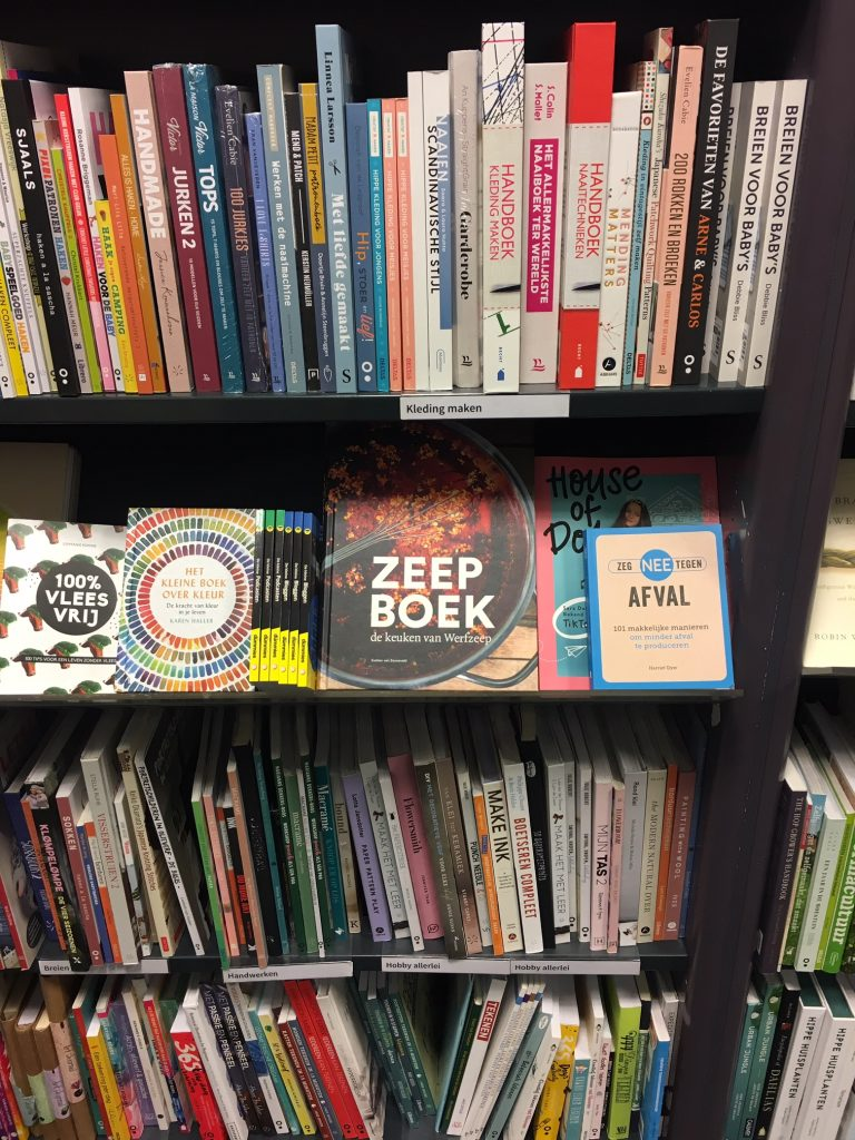 Broese Boekverkopers in Utrecht verkopen het Zeepboek - de keuken van Werfzeep !