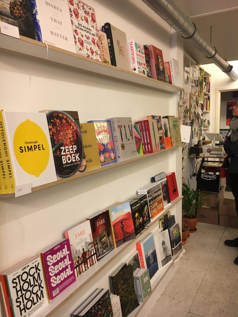 De Utrechtse Boekenbar verkoopt het Zeepboek - de keuken van Werfzeep (naast Ottolenghi! :)