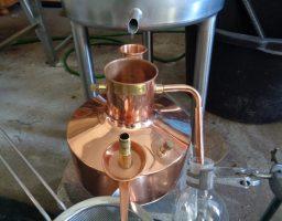 destilleren koper hydrolaat
